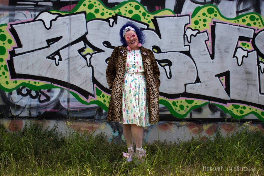 Kobi Jae of Plus Size Blog Horror Kitsch Bitch Reviews Etsy Custom Seller Hearts and Found Retro and Vintage style dresses